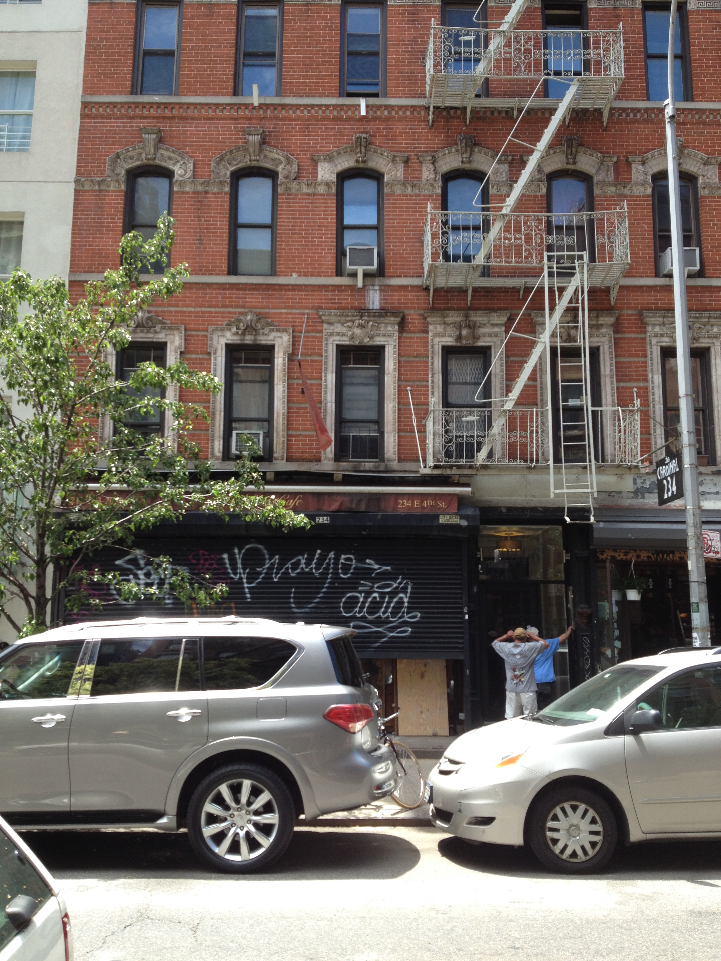 234 East 4th Street, apt 4A, was  Madonna's  home in 1977