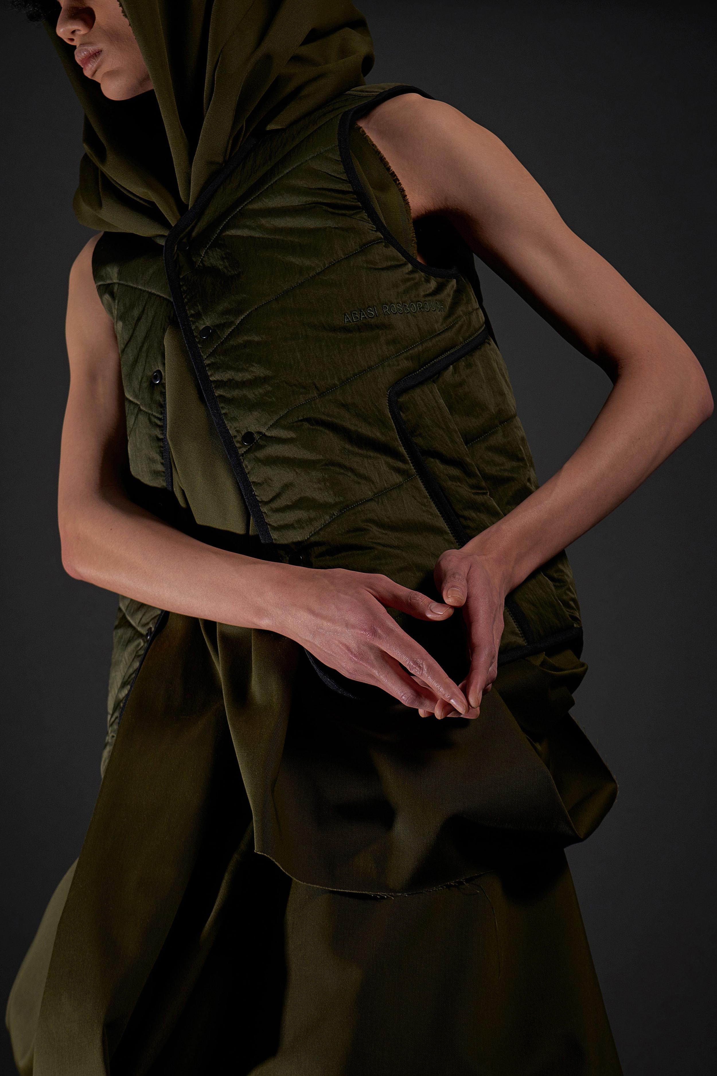 Look 17   ARC Atlas Vest  / Olive
