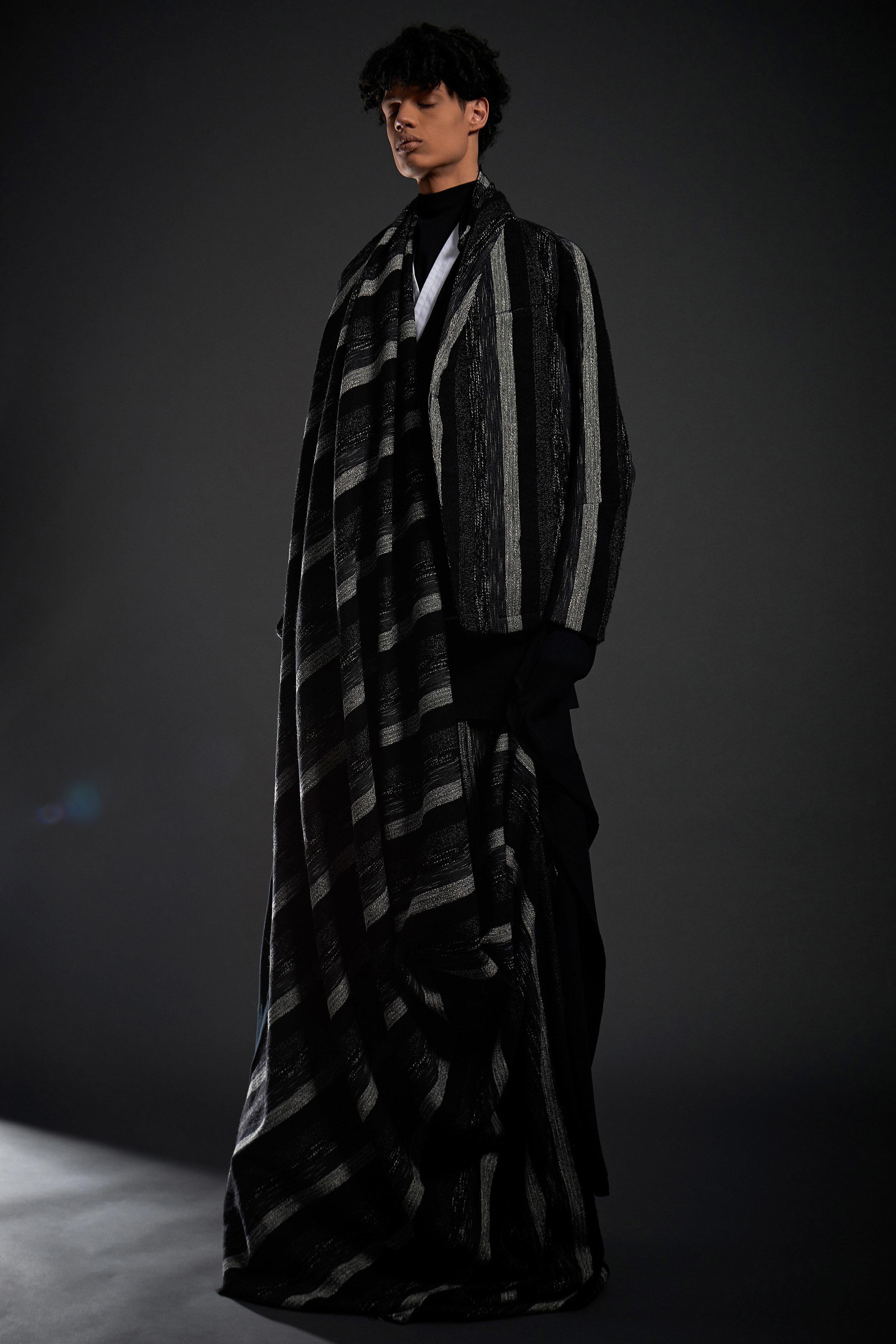 Look 14   ARC Jacket 6  / Black and White Melange   ARC Kimono Shirt  / White