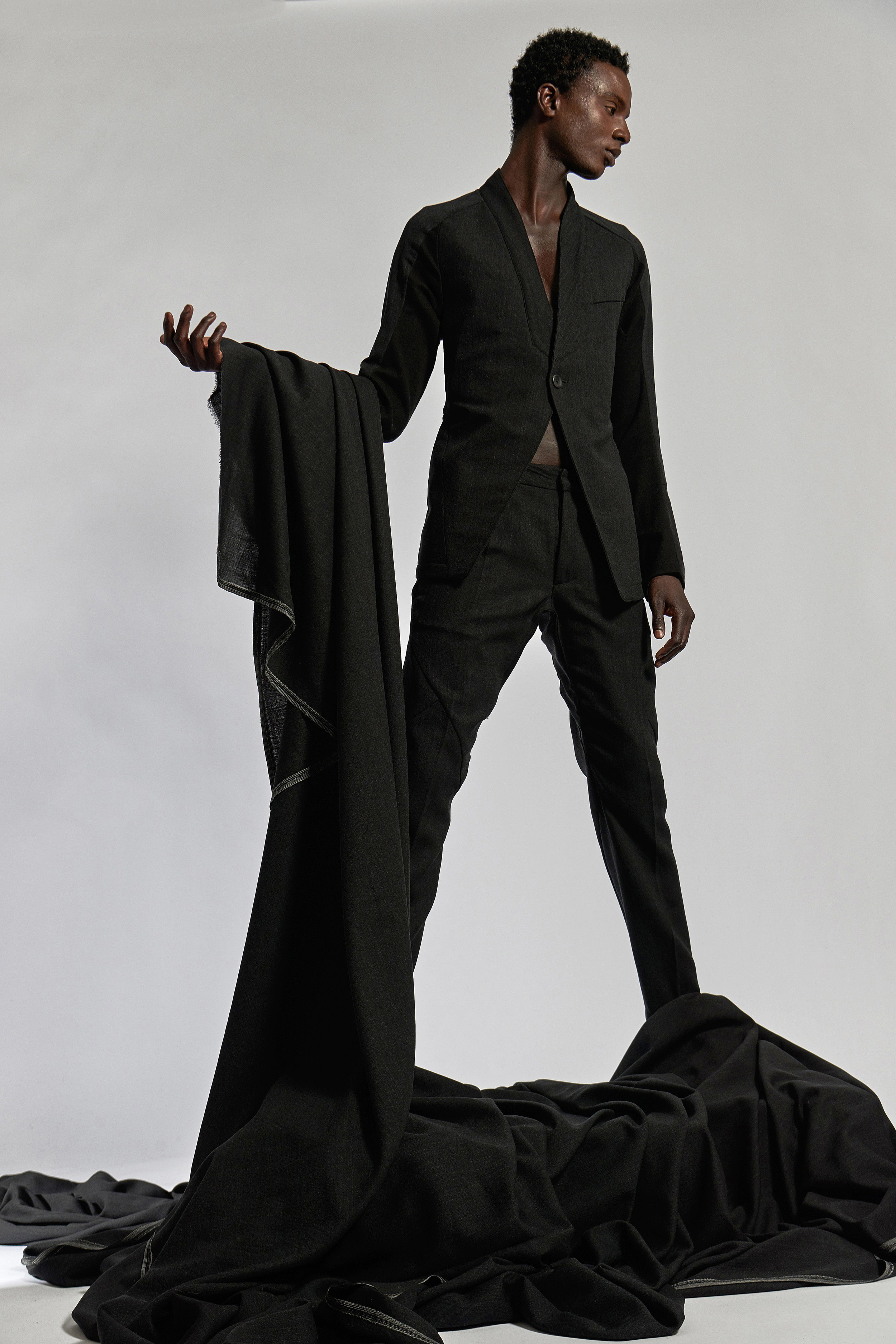 Look 18   ARC Jacket 6  / Charcoal   ARC Trouser  / Charcoal