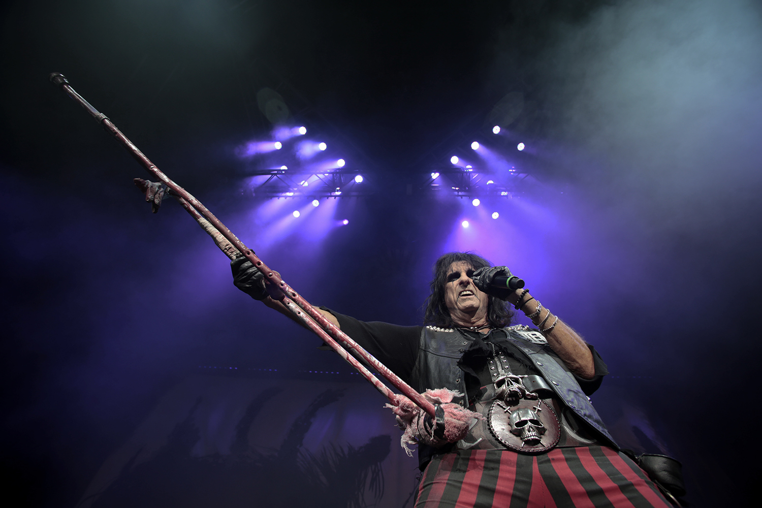 Alice Cooper performs at the Mötley Crüe Final Tour on Saturday, Aug. 9, 2014 at DTE Energy Music Theatre in Clarkston. Tim Galloway/Special to DFP