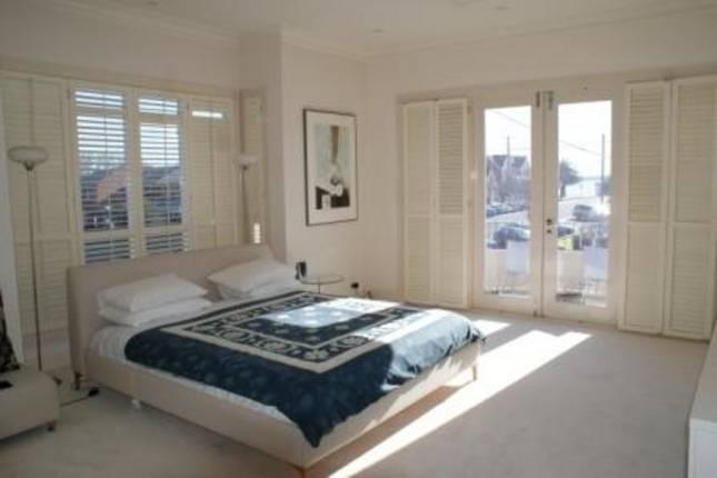swan 1 - master bedroom.jpg