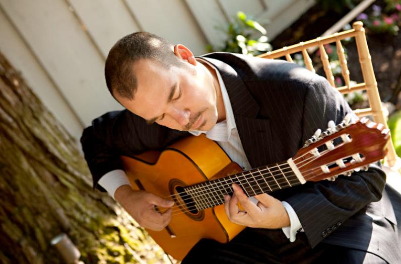 Spencer-guitar-Gustav-Photography_iextra_largei.jpg