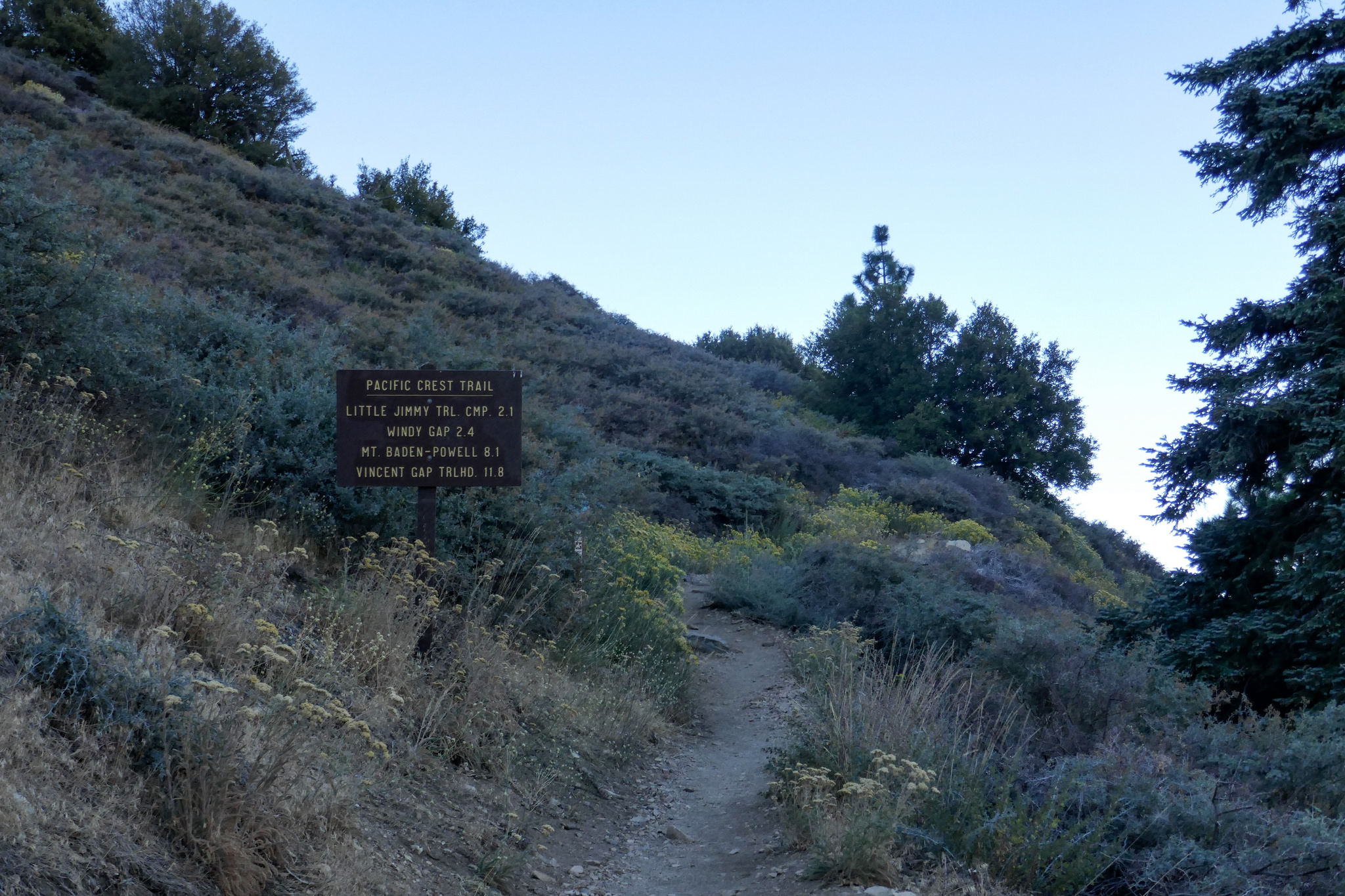 Starting out at Islip Saddle on the Pacific Crest Trail.