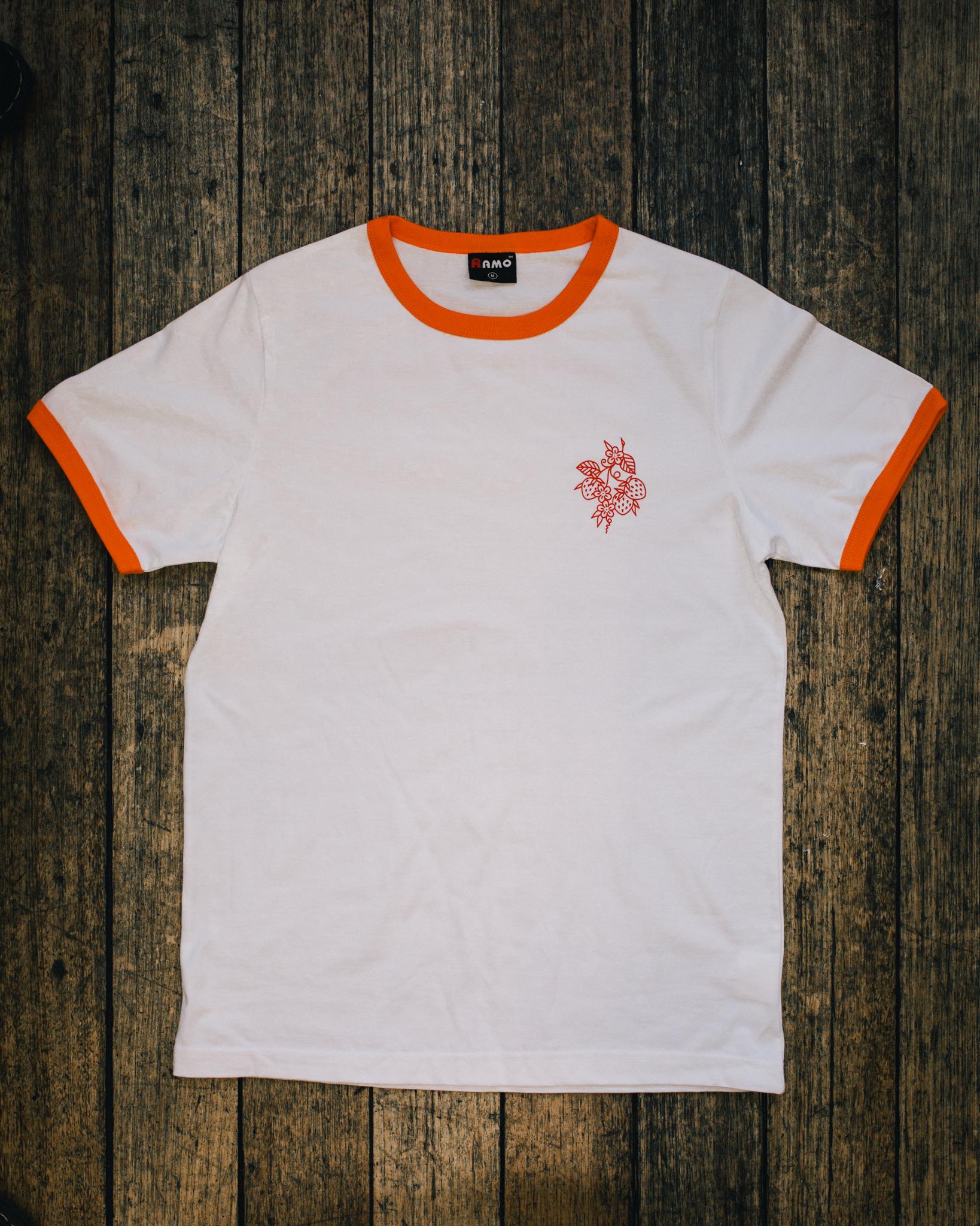 rolan_john_photo_Zoe_strawberry_shirt-3.jpg