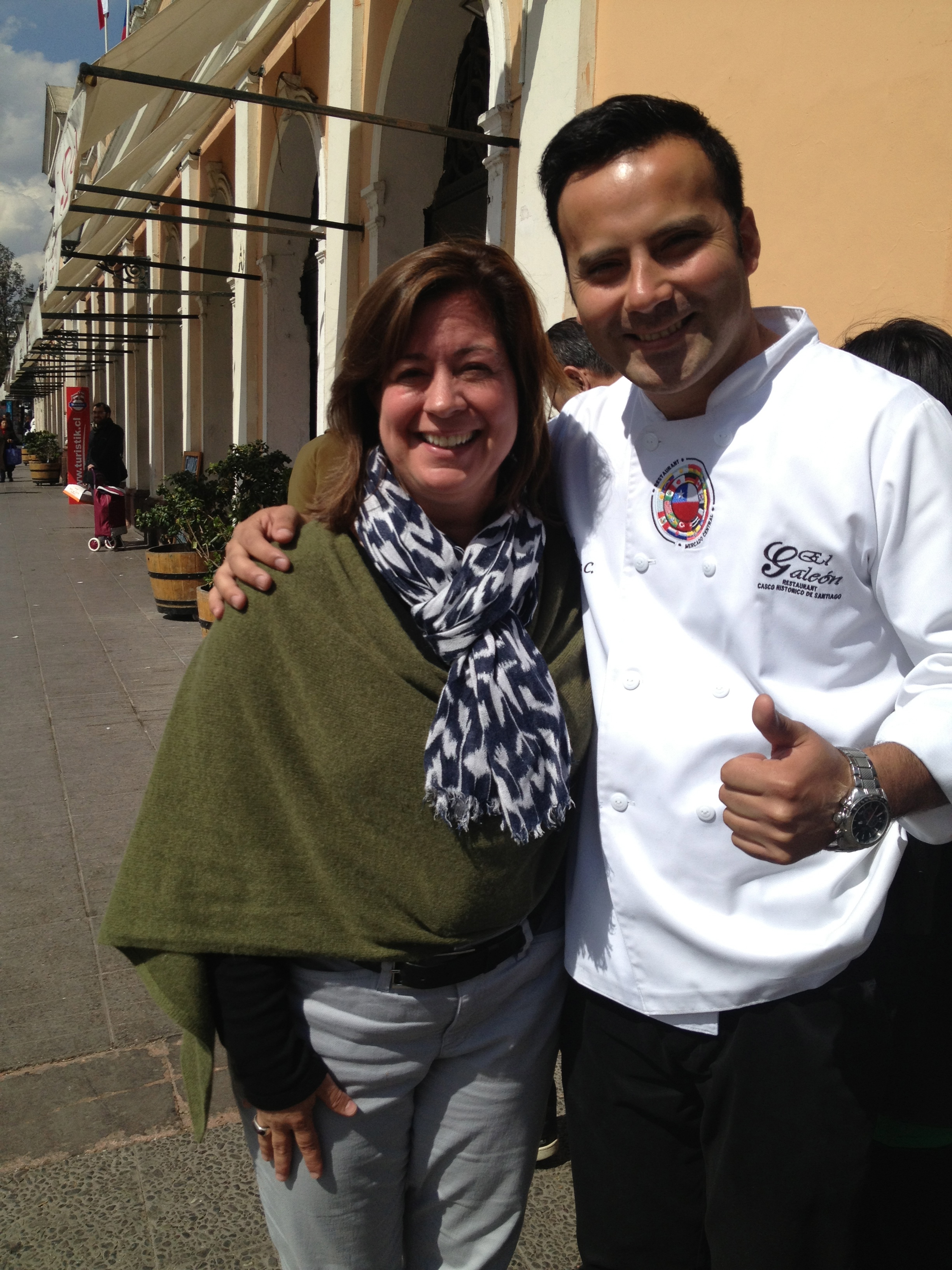 ...and, this is Annie's new friend, Jimmy, the head chef at El Galeón where we had lunch. (Clearly, Annie has better luck in making new friends.)