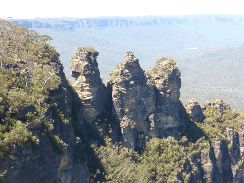 The next day, we took a tour to the Blue Mountain National Park and saw The Three Sisters.