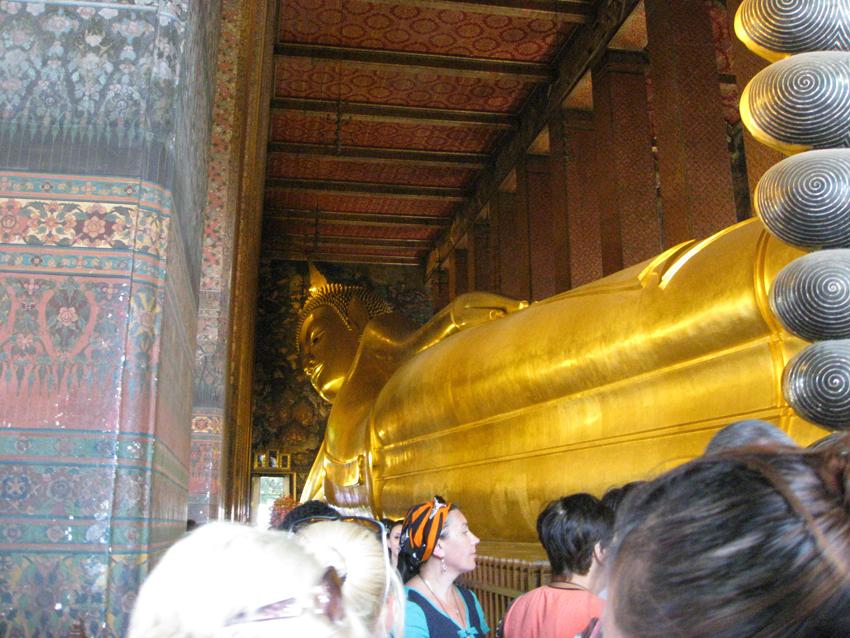 Reclining buddha body.JPG