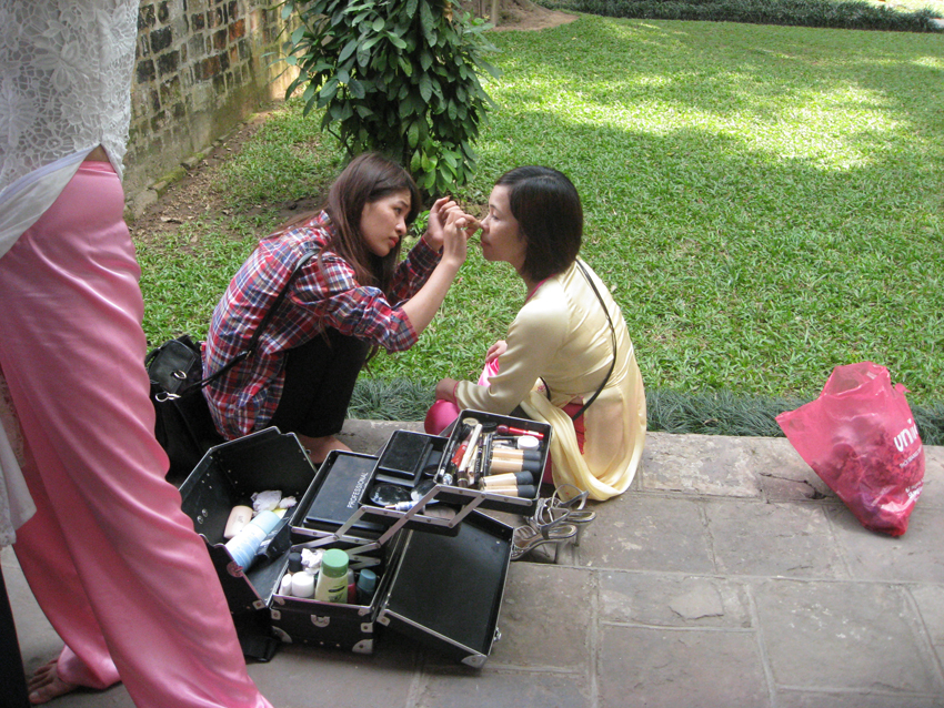 Make up artist for photo op.JPG