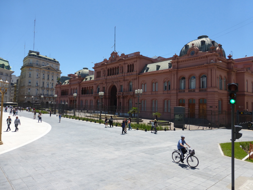 We also took a short bus tour and saw The Casa Rosada - the executive mansion and office of the President of Argentina.