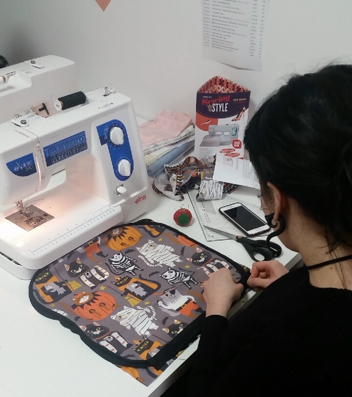 Sew-confident-beginners-sewing-class