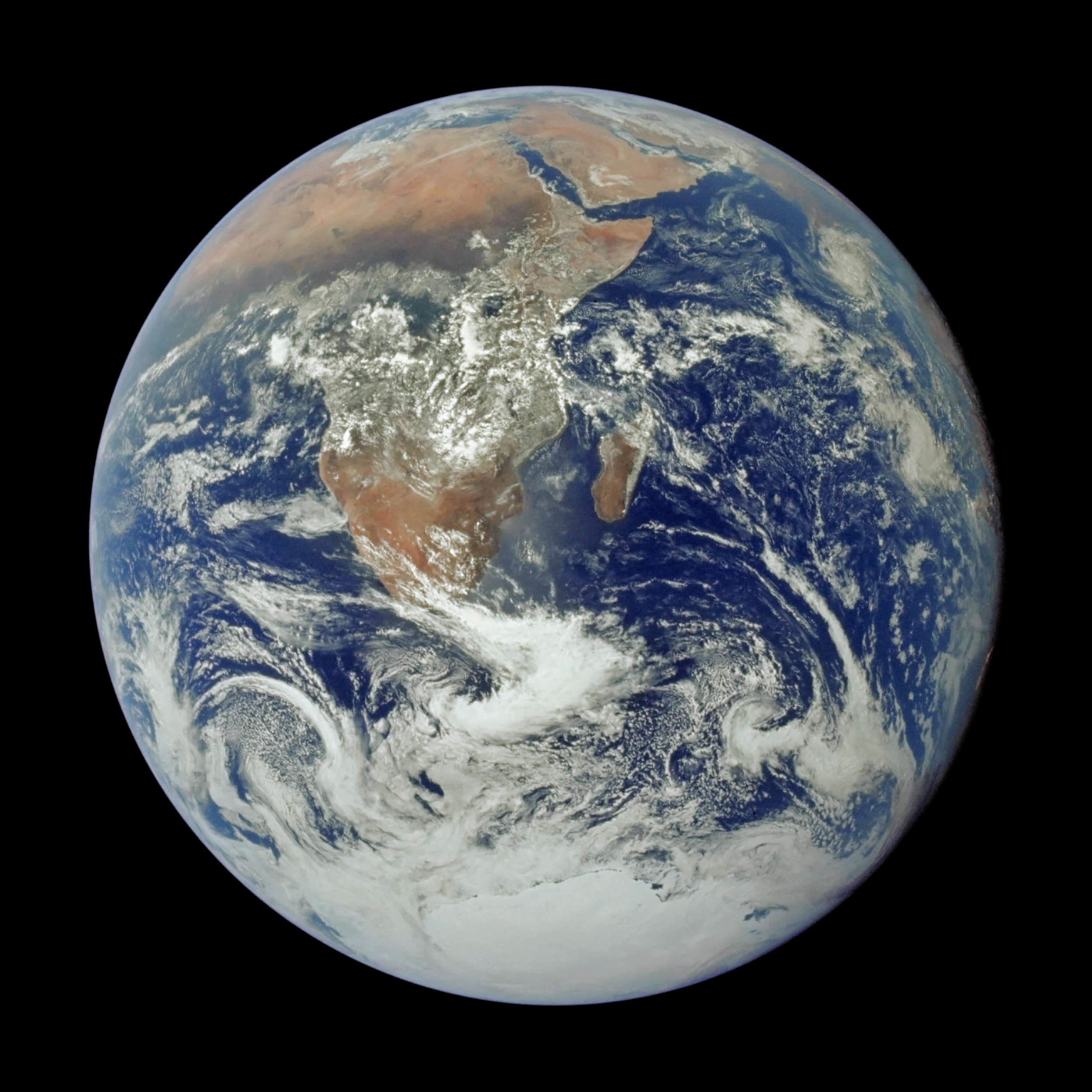 blue_marble_apollo_17_19721207.png