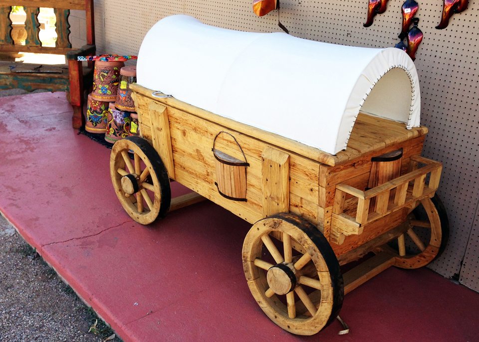 wooden-wagon-ice-chest.jpg
