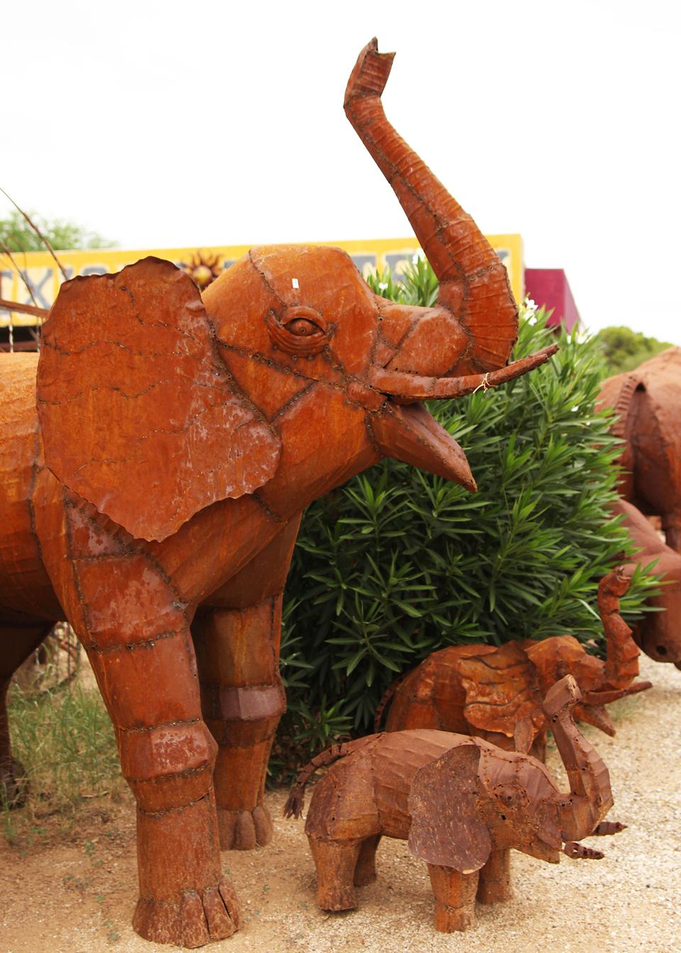 metal-statuary-elephants.jpg