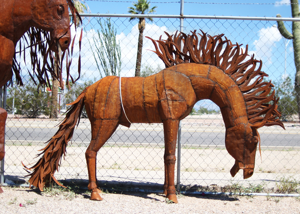 metal-statuary-horse-1.jpg