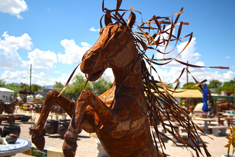 metal-statuary-horse-2.jpg