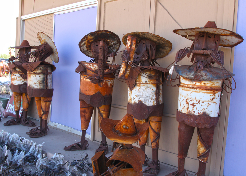 metal-statuary-mariachi-band-1.jpg