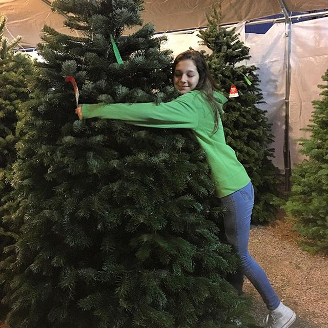 We've got the perfect tree to complete your holiday season. Fresh cut Oregon trees all kept on water. We bail it and load it for you. We also offer delivery options. 🌲😊🌲😊🌲