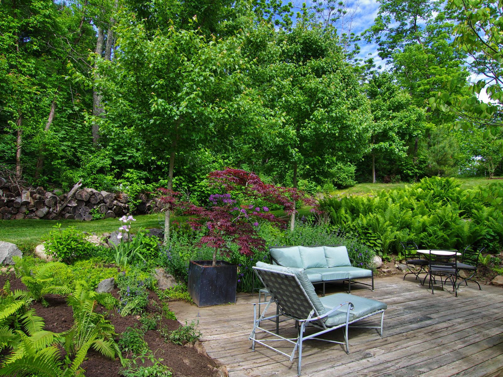 Maine Garden - New England Dream House