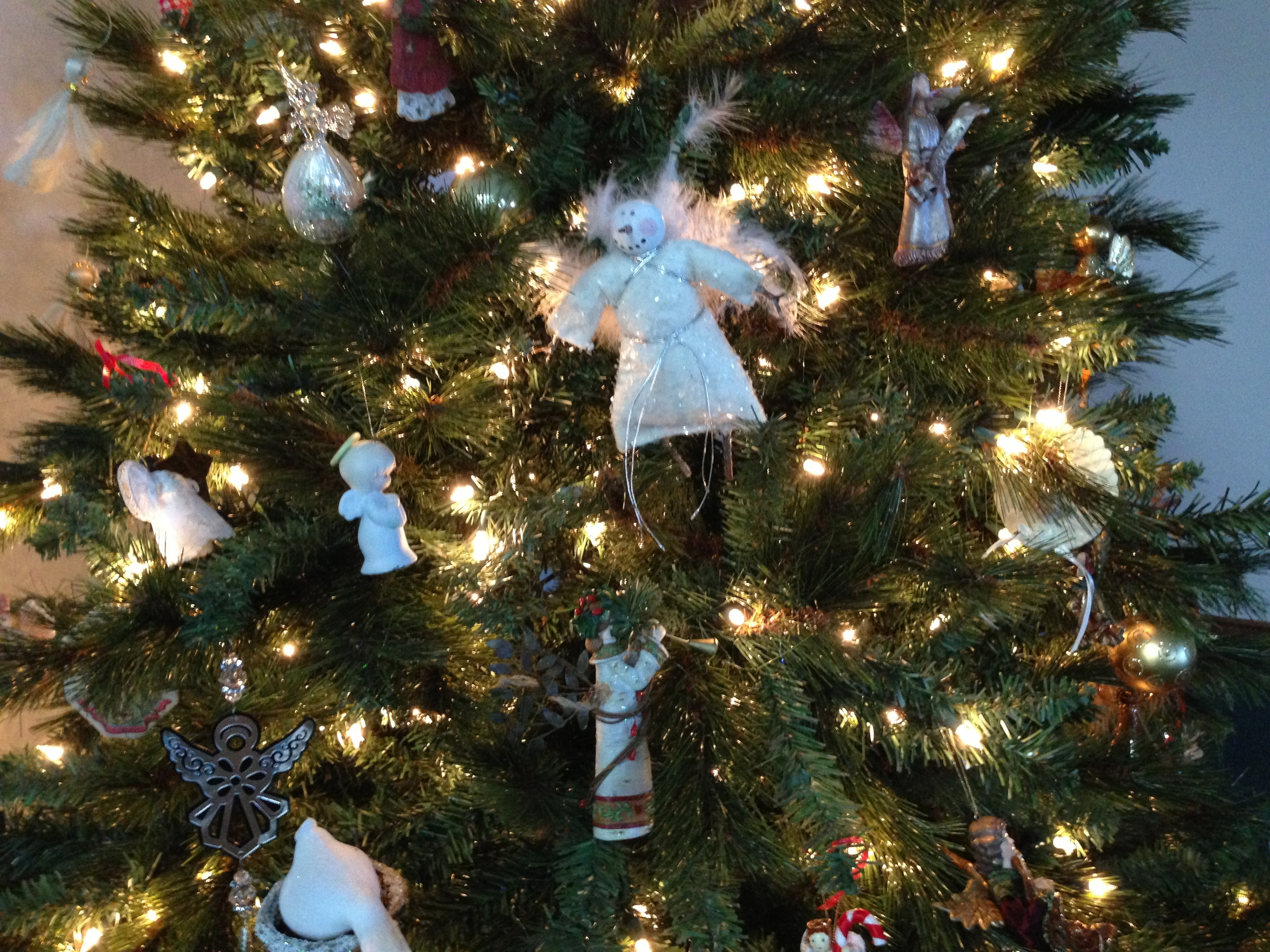 angel tree close up.jpeg