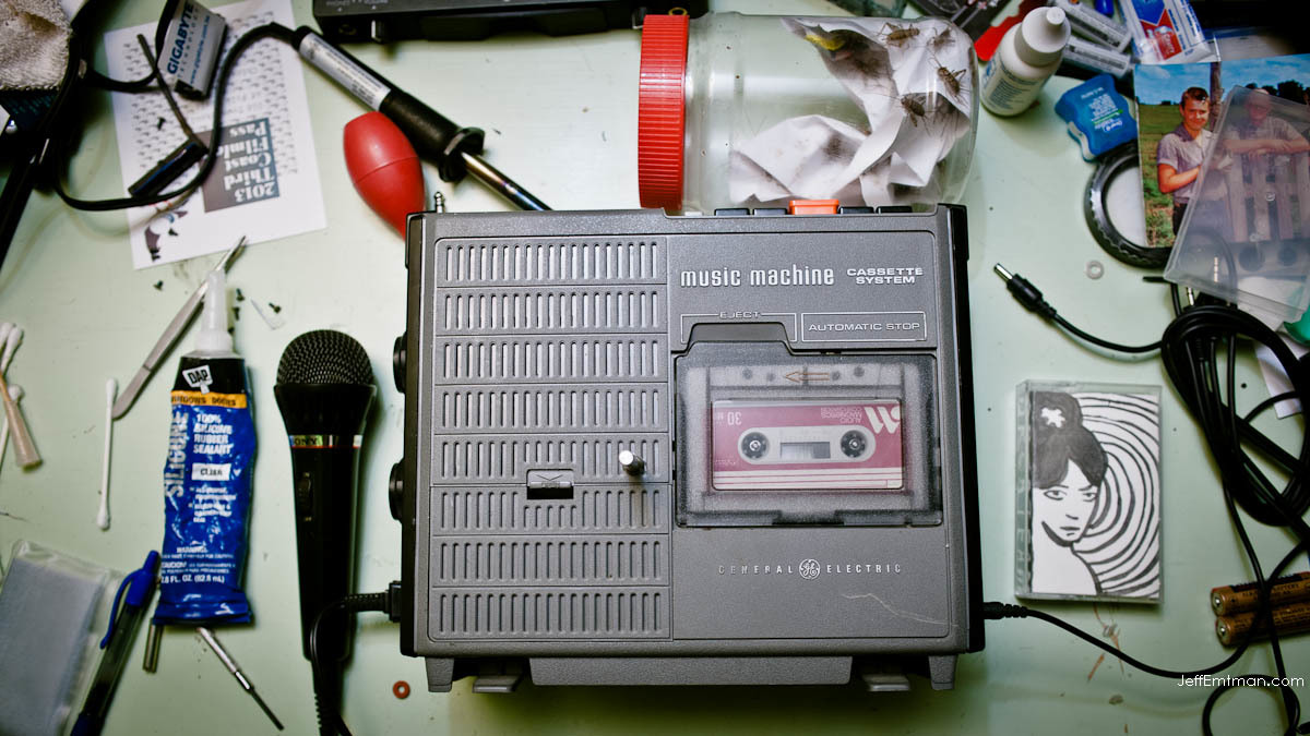HBM's very own time-pitch bending tape recorder