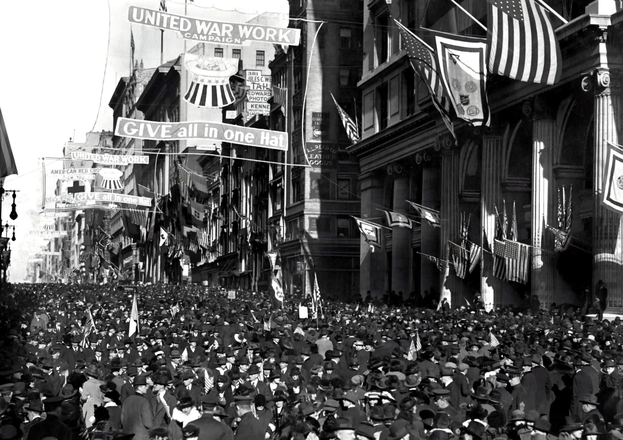 An Armistice Day celebration on Manhattan's Fifth Avenue in 1918. Photo by Paul Thompson  via The New York Times