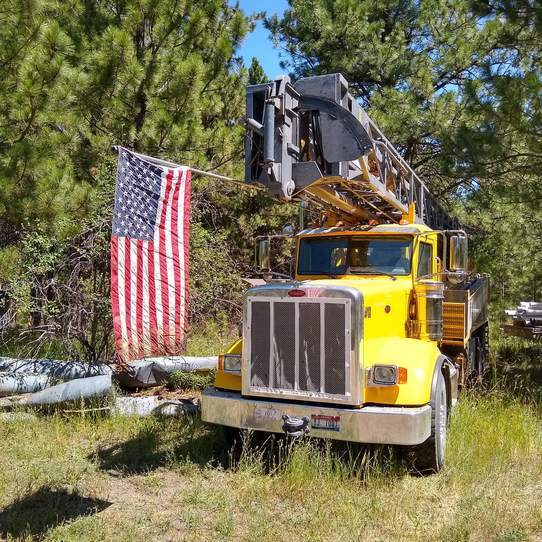 A drilling rig used by Brett Uhlenkott Well Drilling.