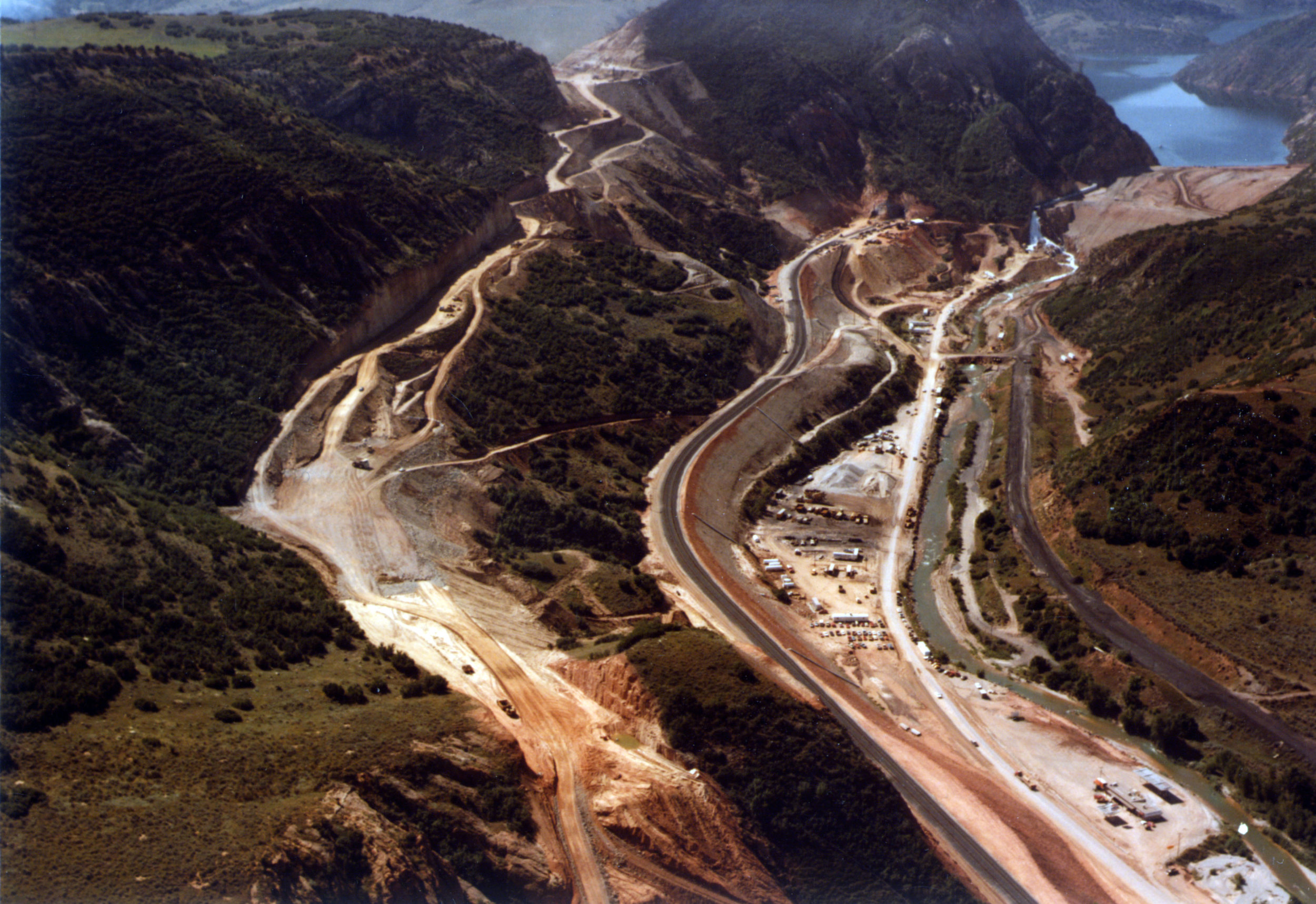 Creation of the new Highway 6 (left side of the photo) and new D&RG rail line in August 1983. Photo courtesy of the Utah State Archives and Records Service.