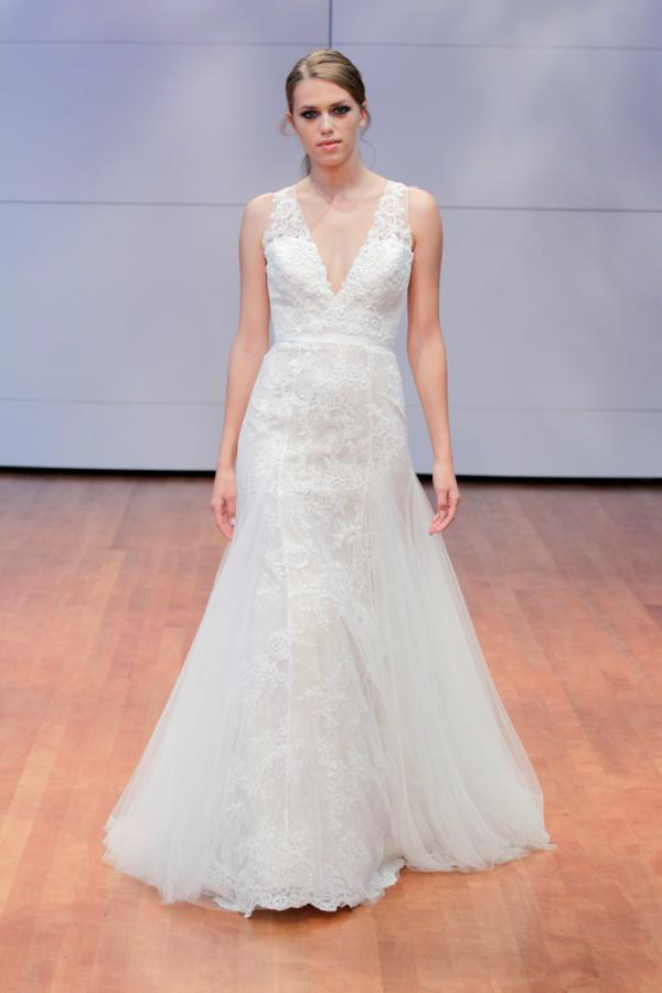 V Neck Plunging Lace Wedding Dress Bridal Gown Tampa