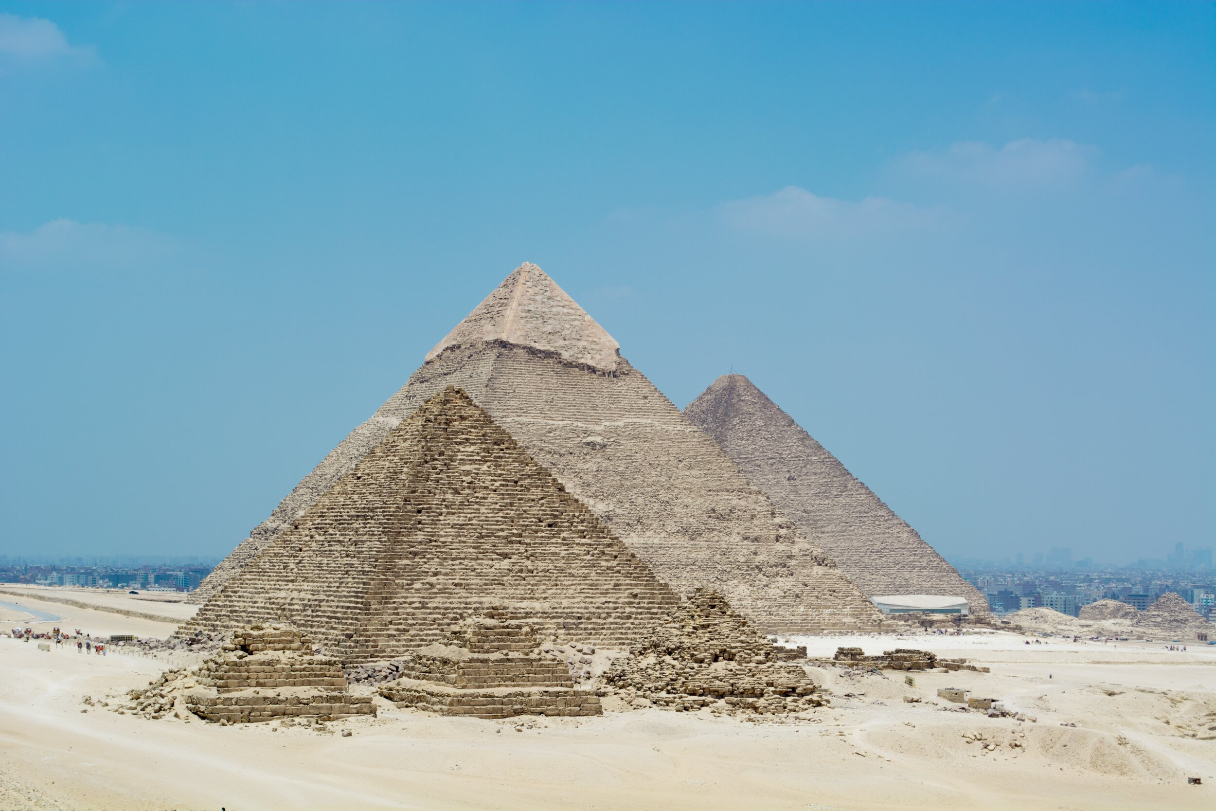 great-pyramid-of-giza-under-the-blue-sky-3689863.jpg