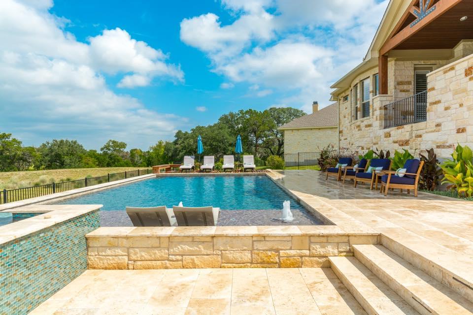 Austin, TX swimming pool contractor — California Pools