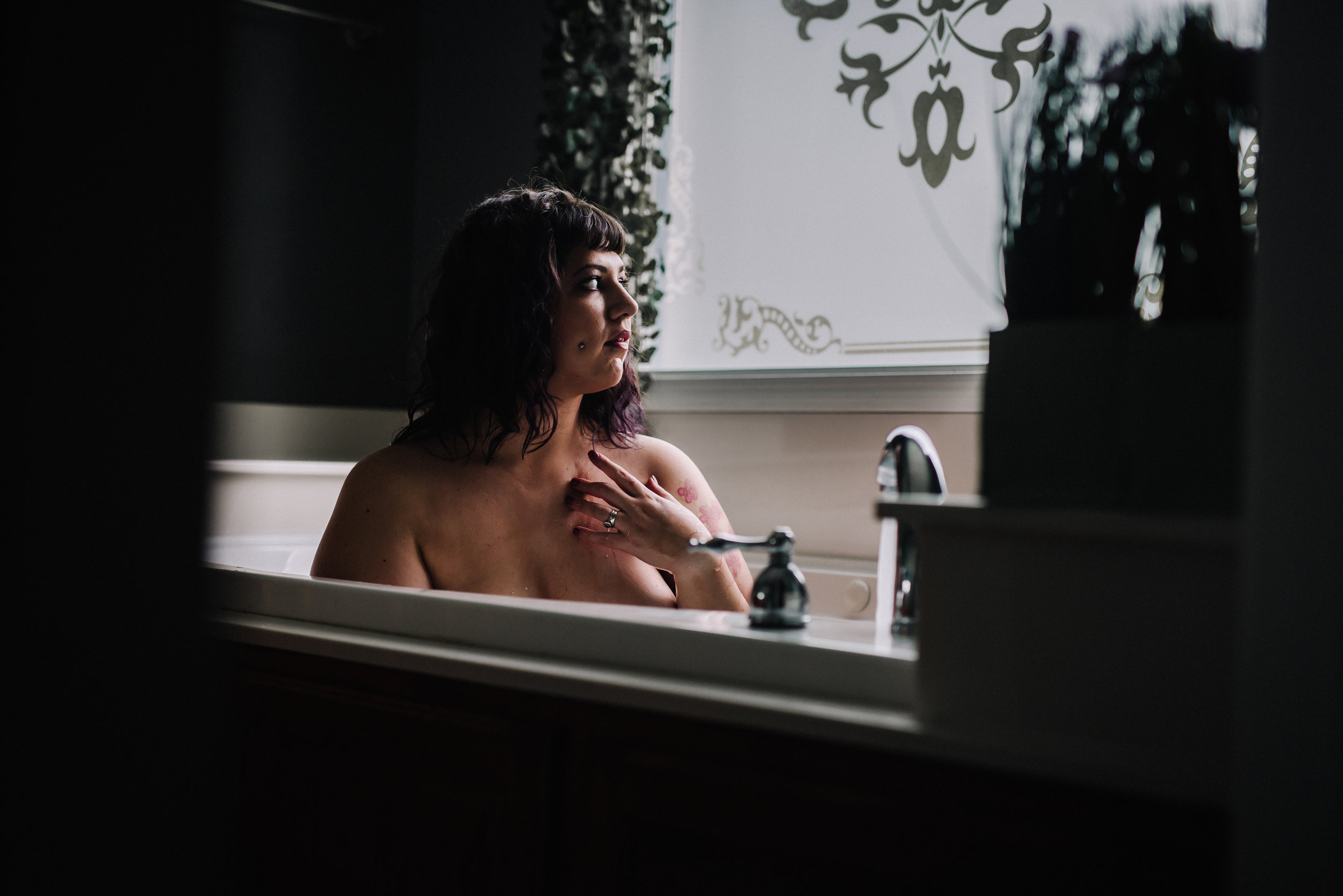 Sarah Fic - Boudoir - 061918 -7100.jpg
