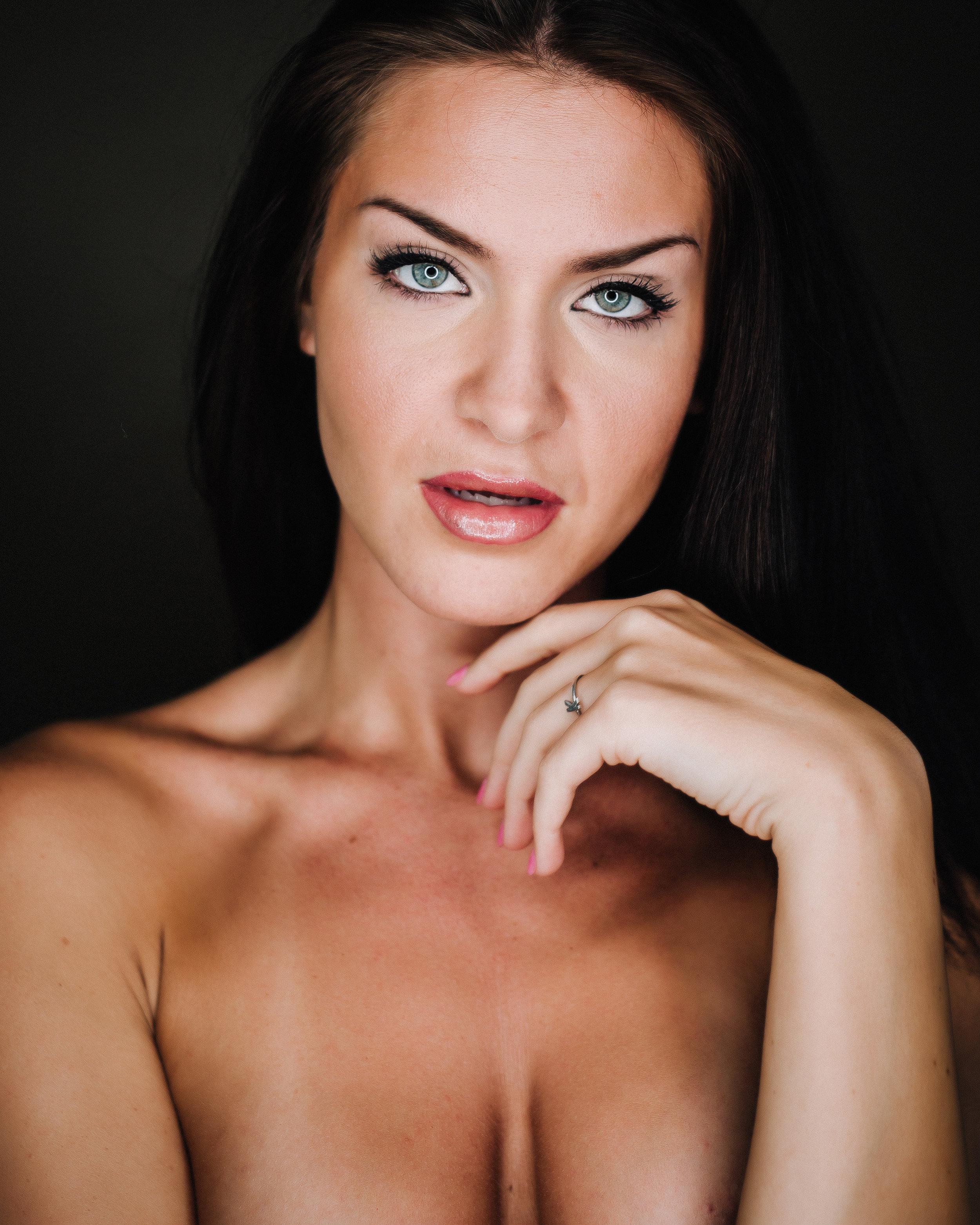 Sophia Liz Reel - Boudoir 09 2018-0391.jpg
