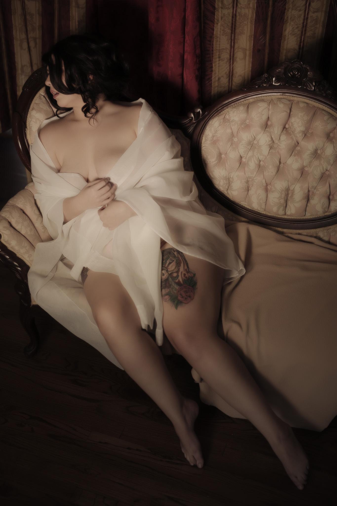 Darling Josie - Renaissance BOUDOIR 090519-8073.jpg