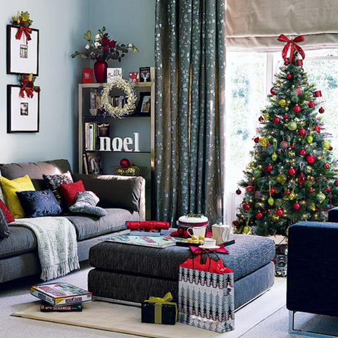 modern-decorating-ideas-for-christmas-tree-7.jpg