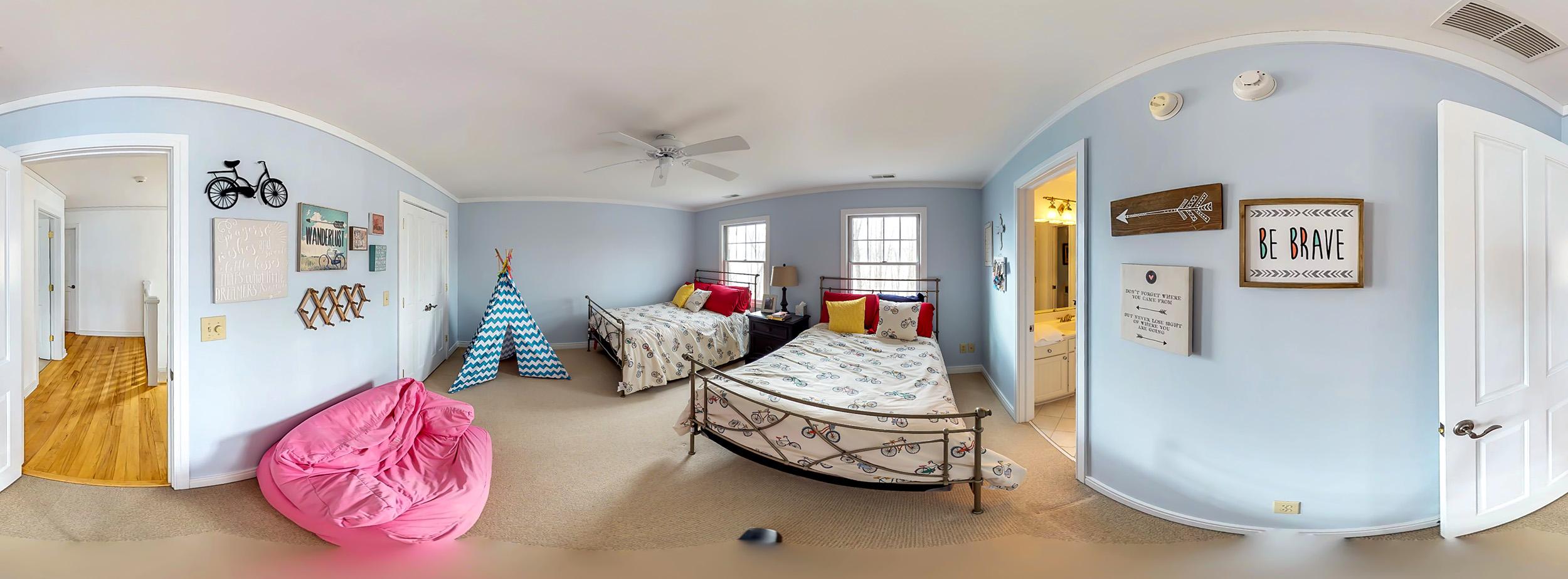 360-bedroom.jpg