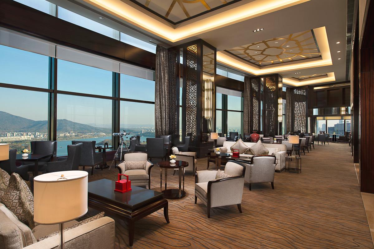 20141217_Shangri-La-Nanjing_Interior_Horizon-Club-Lounge_F.jpg