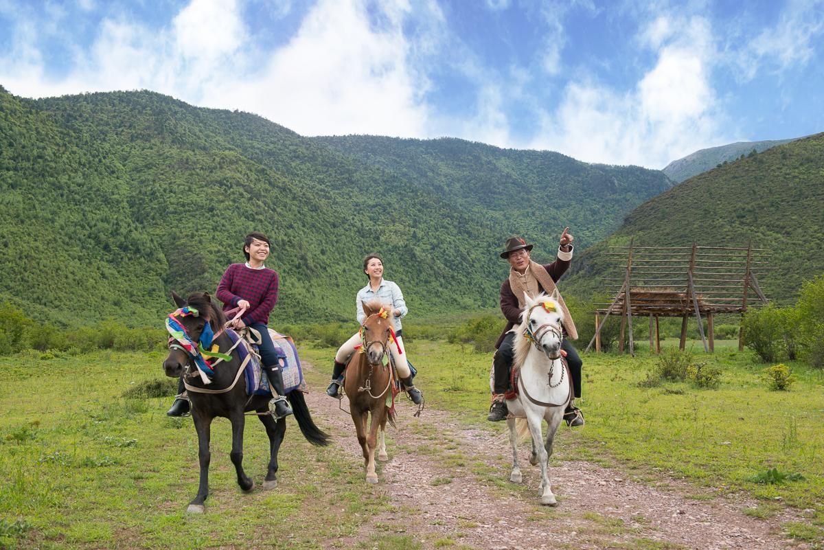 20150719_Shangri-La_Diqing_Lifestyle_Horse.jpg