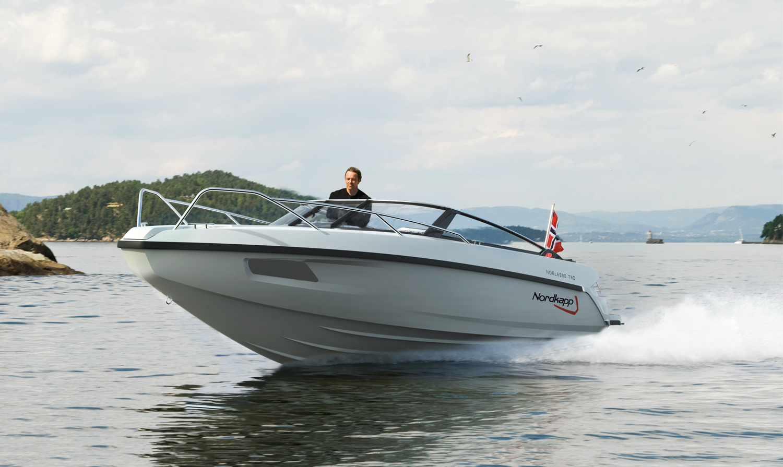Årets store båtnyhet    RÅSKINNET    790