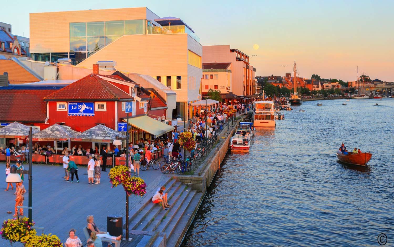 Restauranter, kafeer, og utesteder    UTELIV    FINN DITT STED