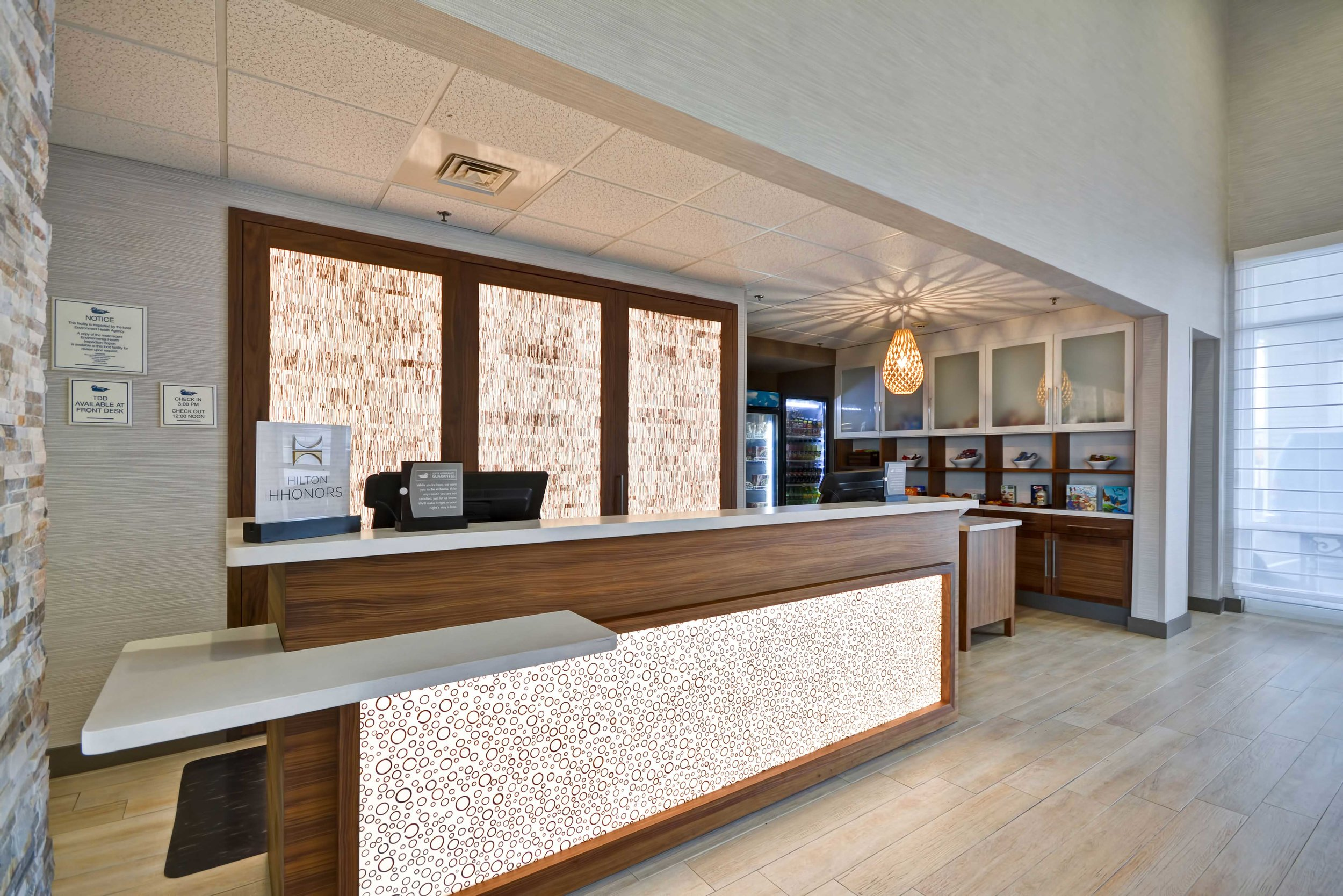 4-Homewood-Suites-Oakland-Front-Desk-Suite-Shop.jpg