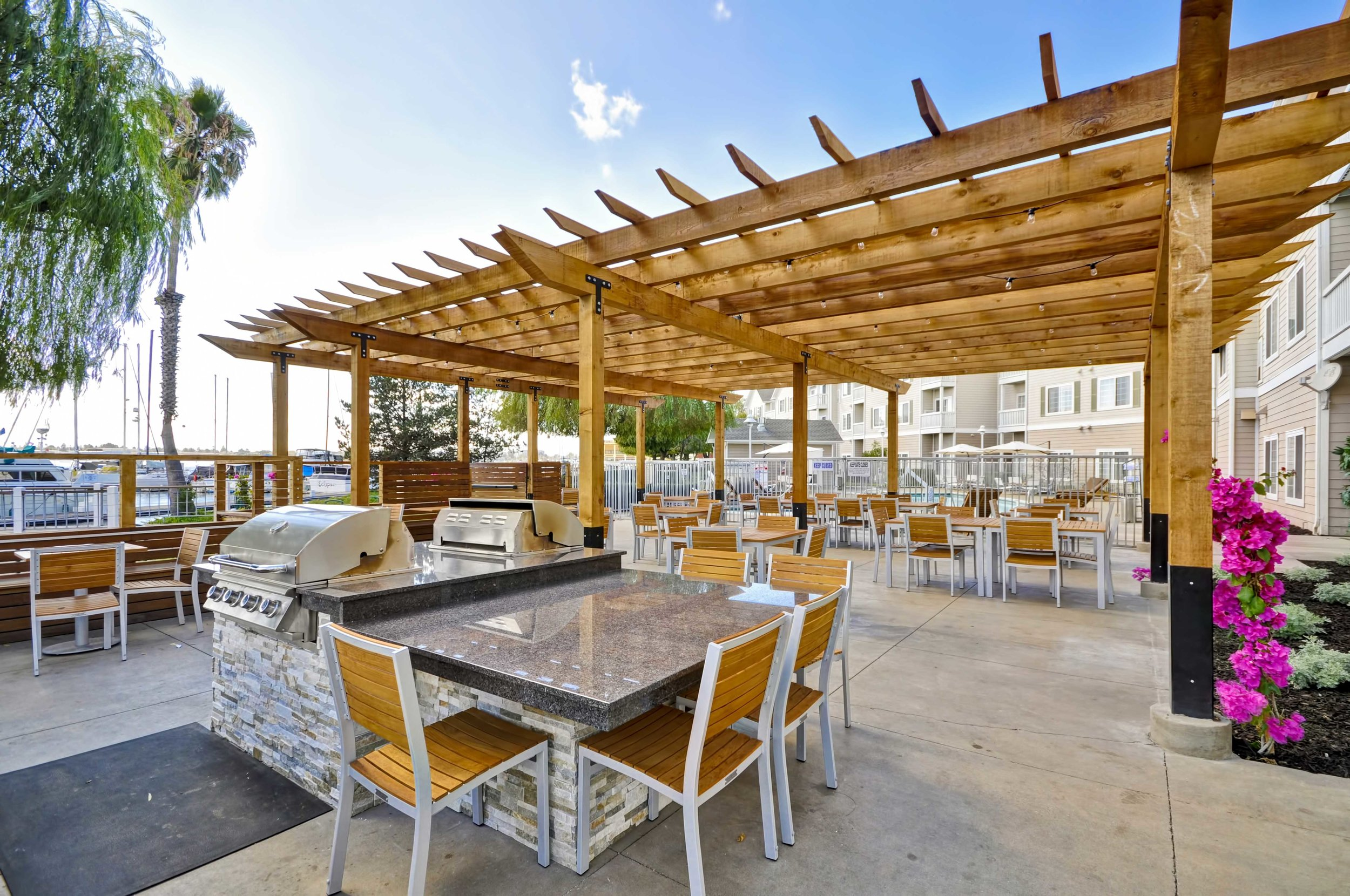 10-Homewood-Suites-Oakland-Patio-BBQ-Pool-Marina-View.jpg