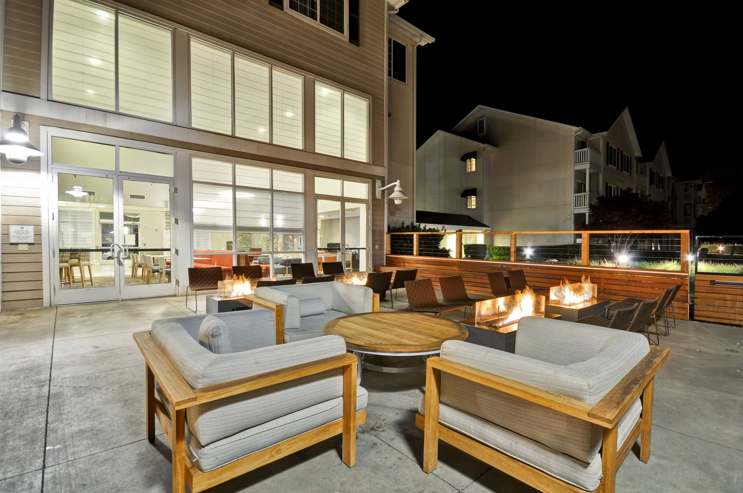 12-Homewood-Suites-Oakland-Outdoor-Patio-PM.jpg