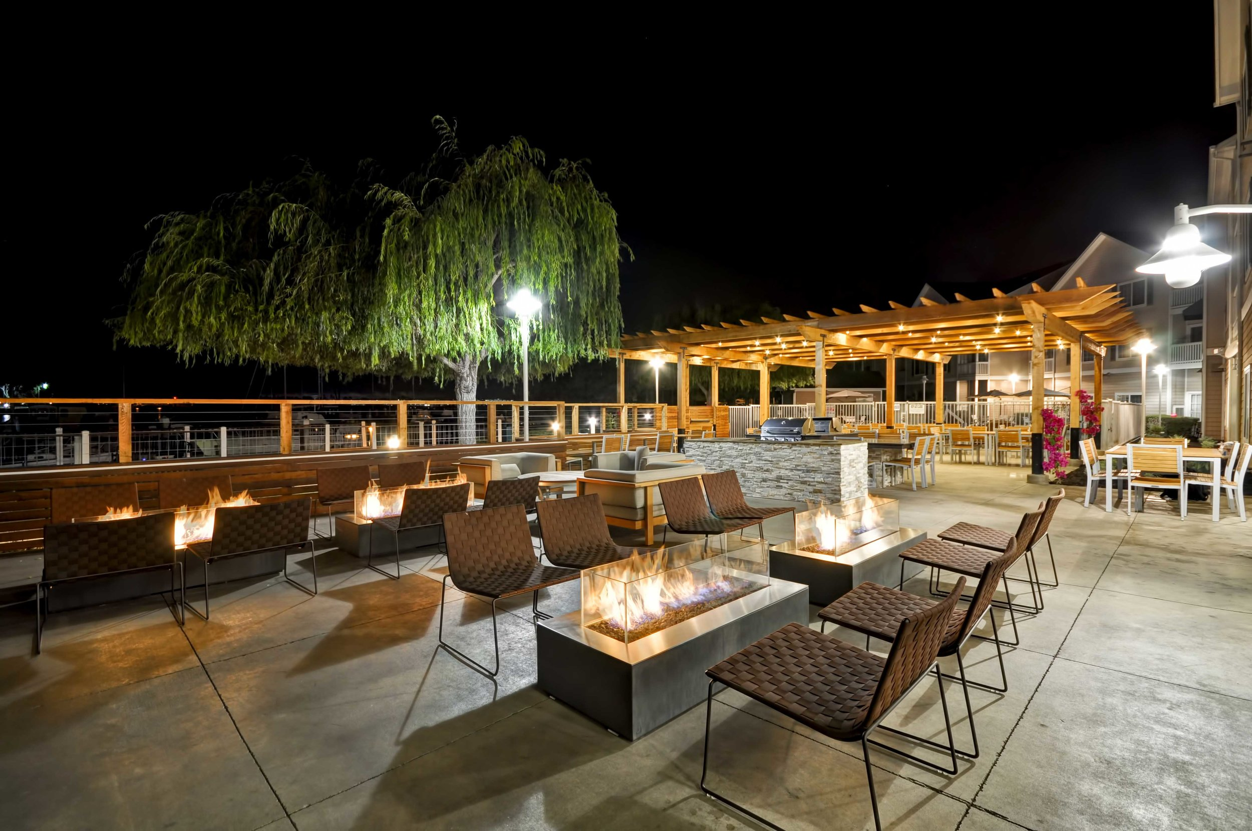 13-Homewood-Suites-Oakland-Patio--Firepits---PM.jpg