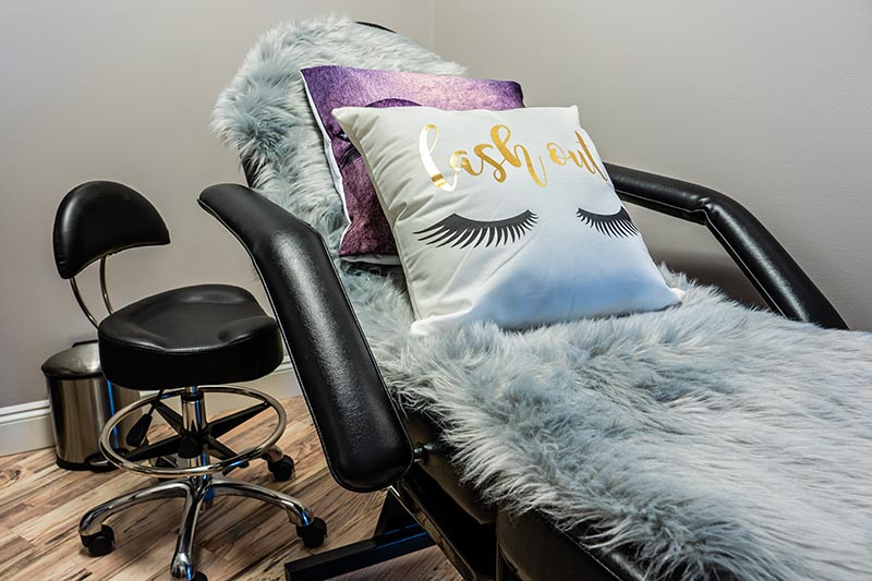 Lash Table & Chair