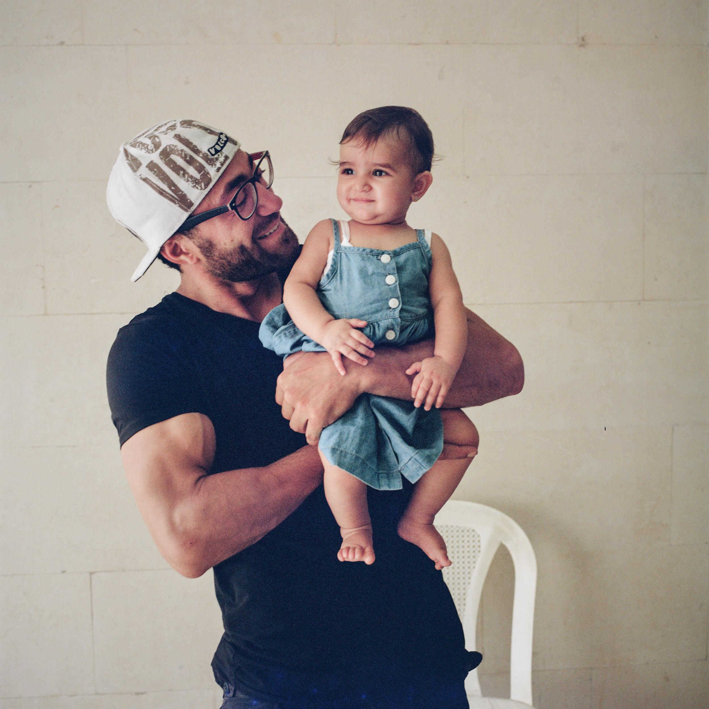 00_FINAL_5_Dad+Baby.jpg