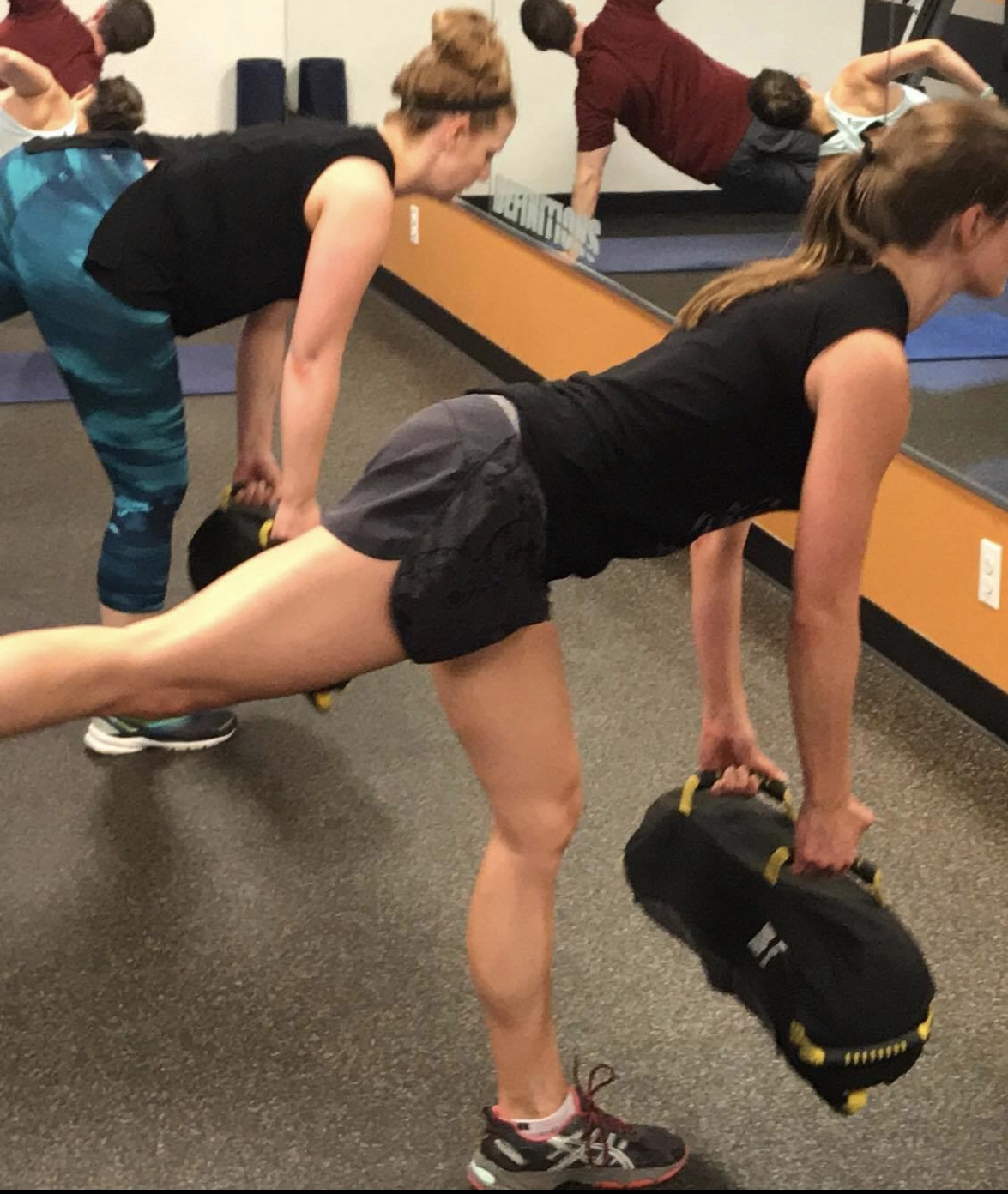Improve Balance And Strength With 1 Leg Dead Lift With The Sandbag And 1 Leg Lunge On Step