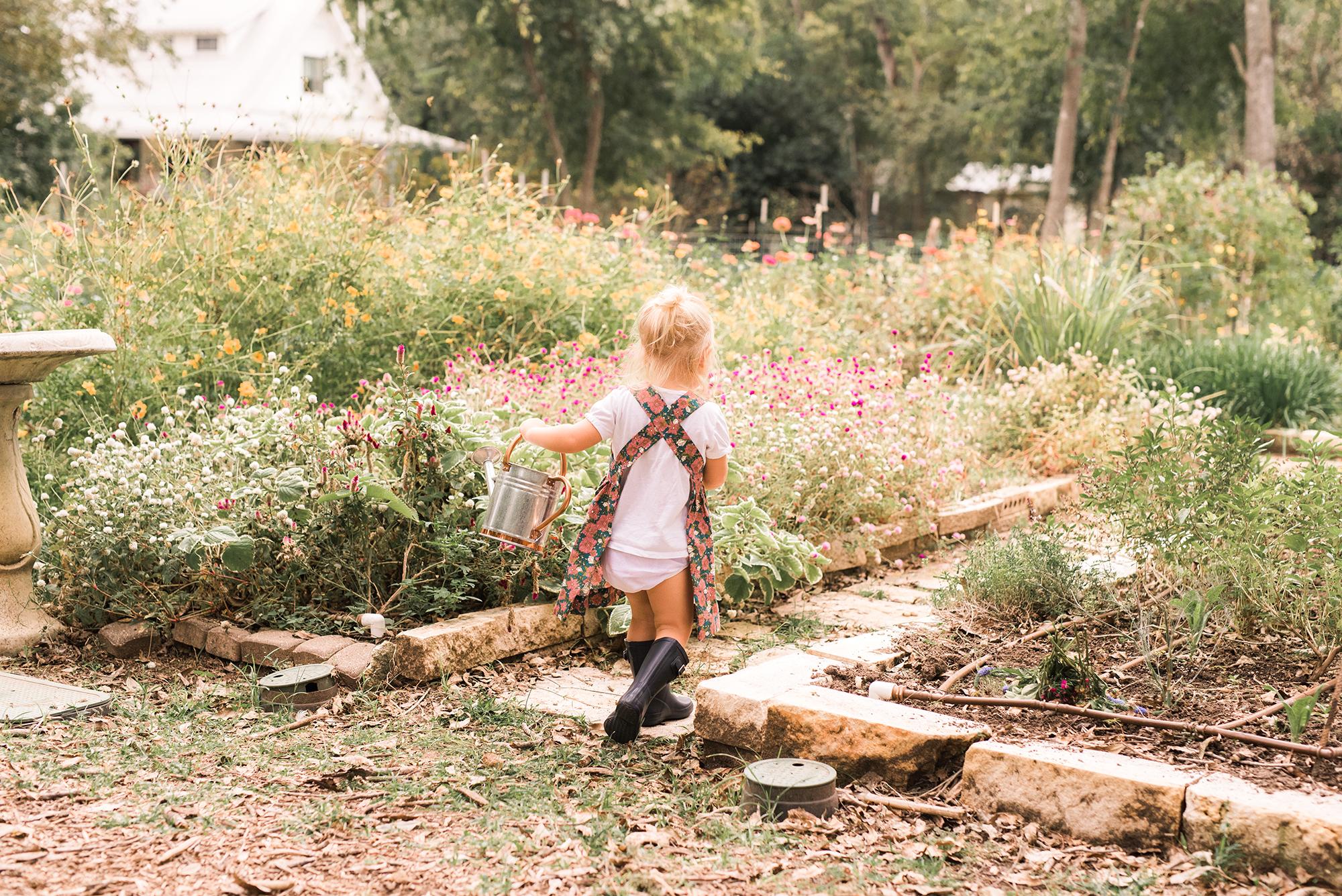 milkbarn garden apron.jpg