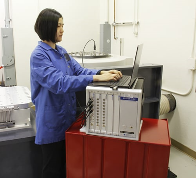 A Crystal Instruments Spider-80X vibration controller performing environmental tests