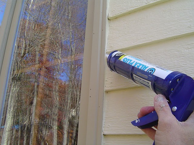 Caulk_Exterior_Windows[1].jpg